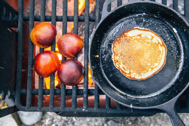 hearty-campfire-pancakes