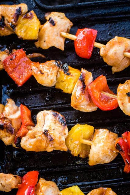 maple-sriracha-chicken-kabobs